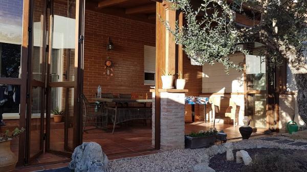 Las puertas de jardín se transforman para aprovechar mejor los porches